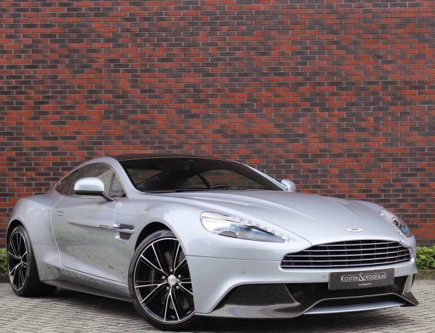 Aston Martin Vanquish 6.0 V12 2+2 Carbon Edition