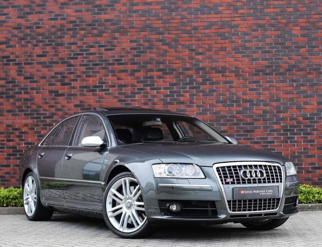 Audi S8 V10 5.2FSI Quattro