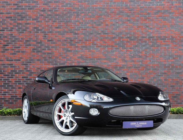 Jaguar XKR 4.2 V8 COUPÉ