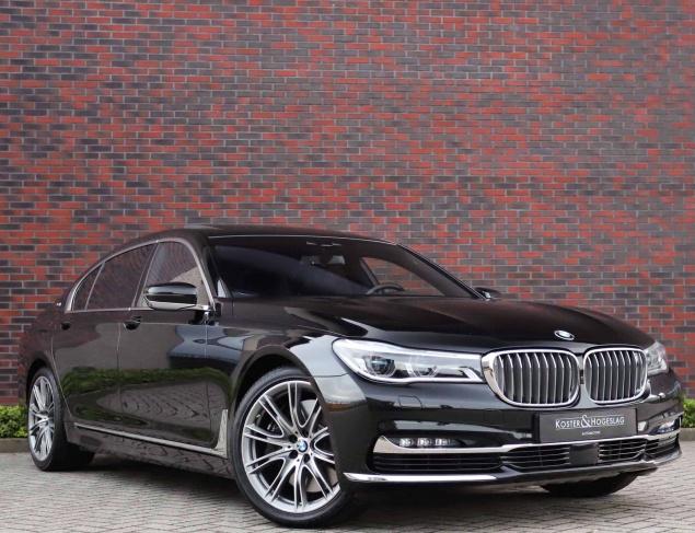 BMW M760Li X-Drive Excellence