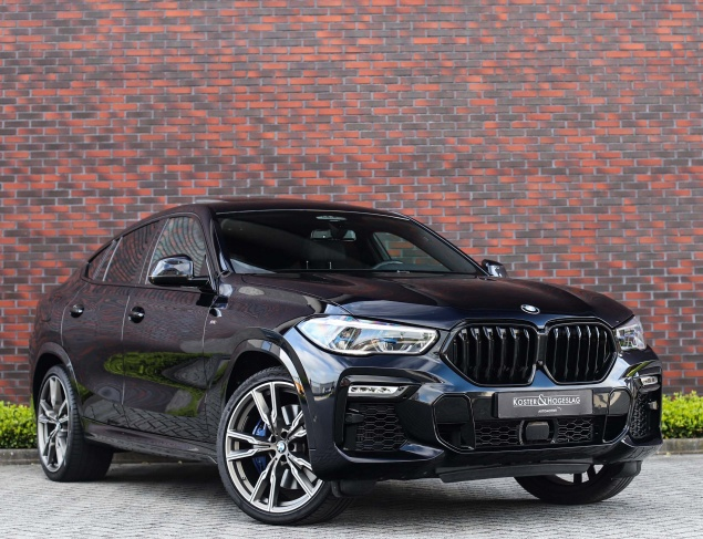 BMW X6 M50i X-Drive
